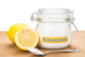 article_teeth_whitening_baking_soda.jpg