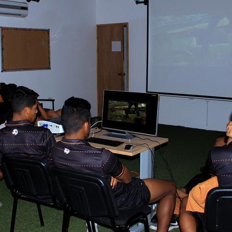 Chicos Dynamo disfrutan de tardes de cine
