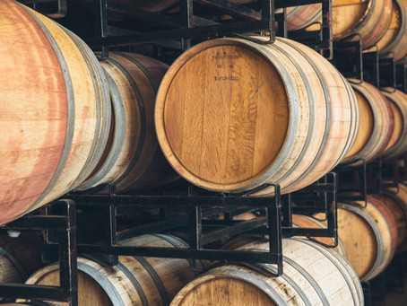 Oak Barrels and Oak Alternatives in Winemaking