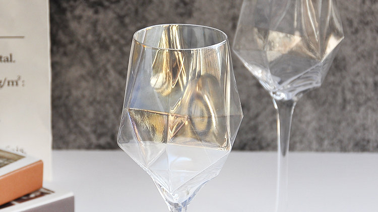 SET OF 2 LUXURY ANGULAR WINE GLASSES