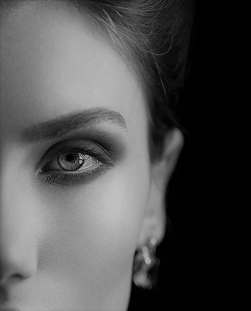 Eyelid-lift.jpg