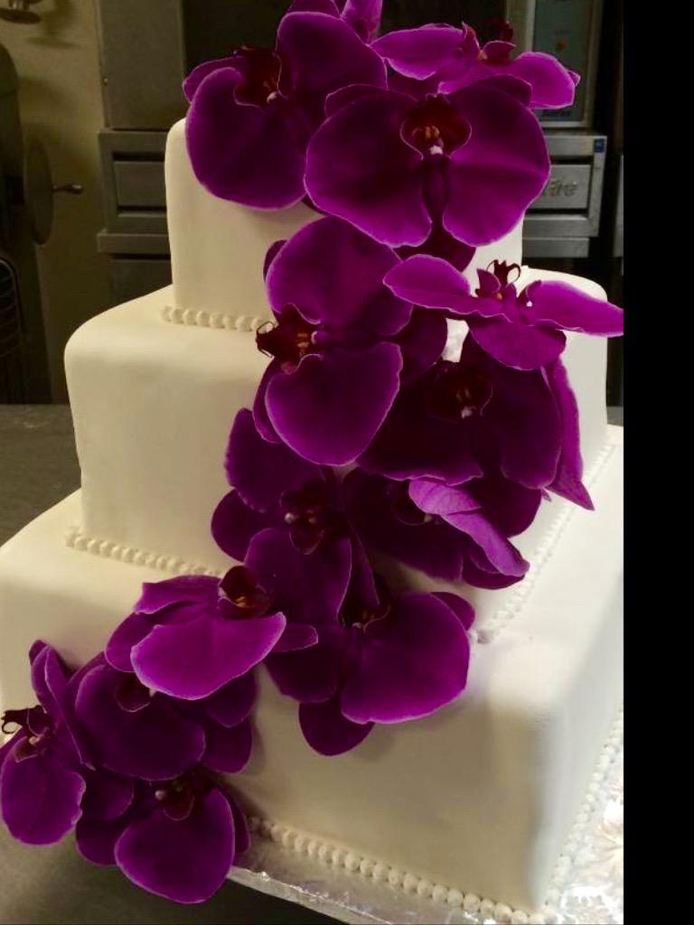 Square tier cake