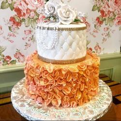 Elegant tier wedding cake