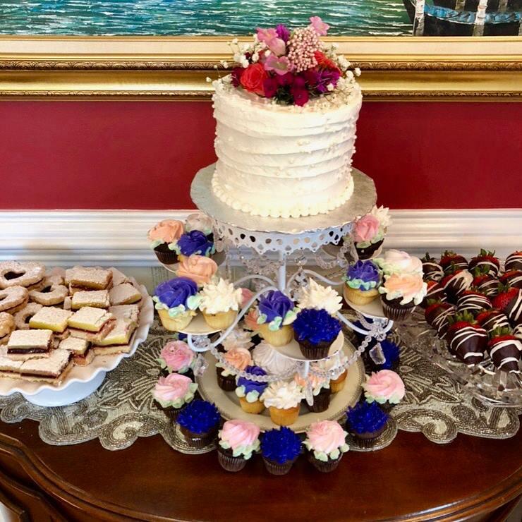 Cupcake & cake tower