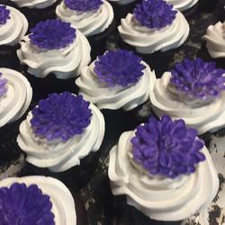 White & purple cupcakes
