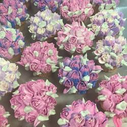 Mini roses cupcakes