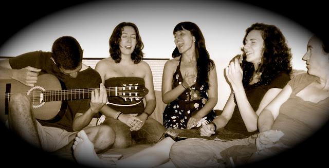 Facebook - Nihil, Mar, Montse, Núria, Esther