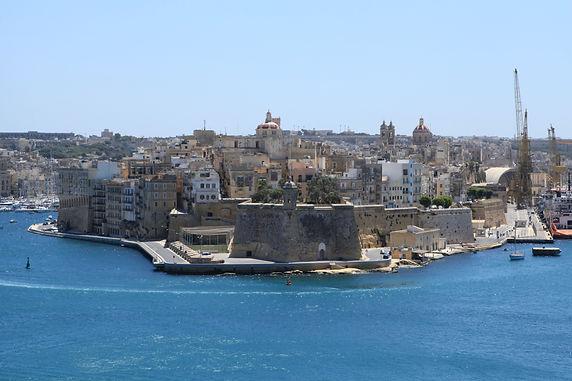 Malta_-_Senglea_+_The_Spur_(Herbert_Gana