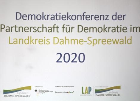Beginn der Doppelveranstaltung mit der Demokratiekonferenz