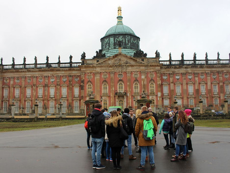 vor dem Neuen Palais