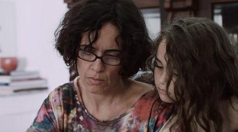 FRAME_MÃE_MOM_3 (1).jpg