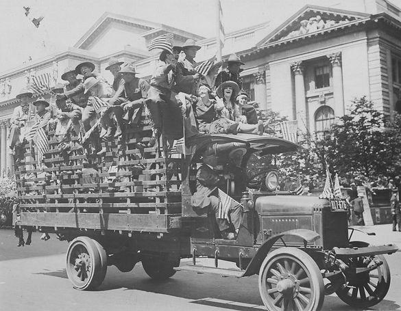 July 4 1918 parade.jpg