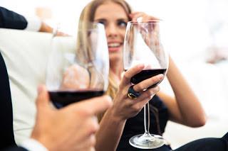 Vinho tinto: maneiras de evitar manchas nos dentes