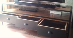 Meuble TV à tiroirs