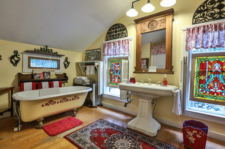 Master Bedroom Bath 1