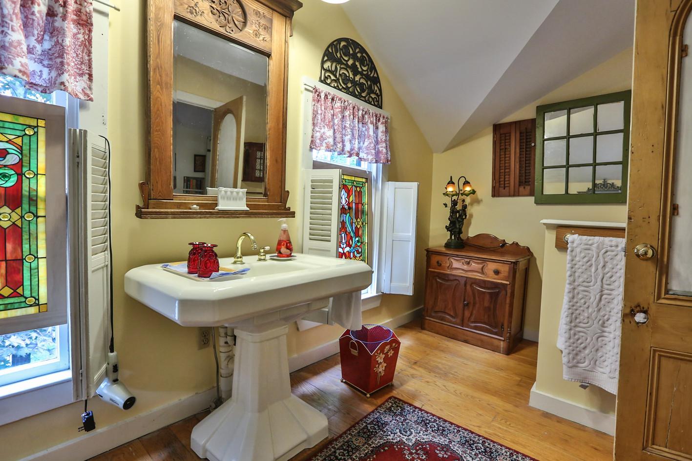 Master Bedroom Bath 2