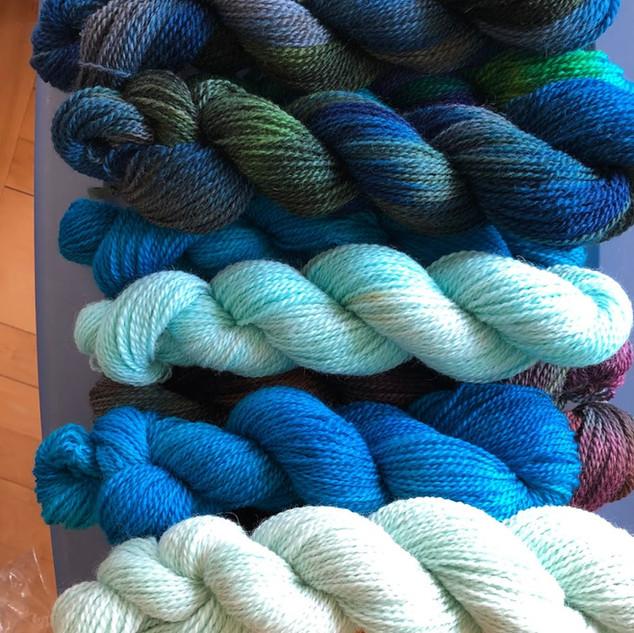 blue yarn .JPG
