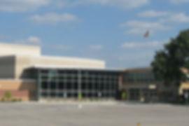 die kleinstadt new berlin liegt mit ihren etwa 40.000 einwohnern im einzugsgebiet von milwaukee, der größten stadt wisconsins. new berlin belegte im jahr 2009 platz 34 der 100 lebenswertesten kleinstädte der vereinigten staaten, aufgeführt vom money magazine. ein grund sind nicht zuletzt die zahlreichen parks. bedeutendste ressource ist das industriegebiet. in diesen 3 business-parks schlägt das wirtschaftliche herz der stadt. hier entstehen innovative ideen und wegweisende produkte.