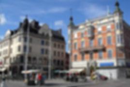 die studenten- und industriestadt linköping ist mit knapp 150.000 einwohnern der fünfgrößte ort schwedens. sie liegt im süden des skandinavischen landes und gilt als äußerst dynamisch, jung und fahrradfreundlich.linköping zieht vor allem mit der renommierten linköping university und der saab niederlassung zahlreiche studenten, jungunternehmer und vielseitige high-tech-unternehmen an. nicht außer acht lassensind auch die atemberaubenden die vielzahl an parkanlagen.