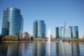 die smaragdstadt liegt im staate washington, nahe der kanadischen grenze. mit ihren vielen organisationen und clubs für startups und unternehmer bietet seattle eine unvergleichliche plattform für gründer und etablierte entrepreneure. sie ist außerdem eine angesehene studentenstadt. die university of washington ist mit ihren mehr als 44.000 studierenden die größte und renommierteste hochschule im gesamten nordwesten der usa.