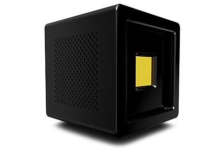 anthem one ist ein scheinwerferlicht, gedacht für professionelle fotografen oder filmemacher. das gerät hat dabei viele vorteile: denn es ist doppelt so hell, halb so schwer, ein drittel so groß und hält bis zu 2000mal länger. dabei nutzt anthem one light cards, austauschbare halbleiterplatten, die mit einer reihe von led's beschichtet sind. diese gibt es in verschiedenen lichtfeldern: uv, sichtbares sprektrum und ir. damit kannst du die optimale karte für deinen gebrauch auswählen.