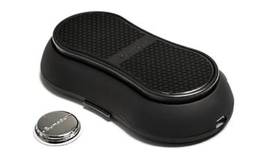 der revolutionäre bluetooth lautsprecherverkörpert ergonomisches und schlankes design mit leistungsfähiger audiotechnik und ist damit ideal zum mitnehmen. der ultradünne speakerüberzeugt mit pompösen bässen, uneingeschränkter mobilität und jeder menge einzigartiger features. des weiteren lässt es sich an jeder glatten oberfläche ankleben und liegt bequem in deiner tasche.