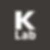 keri aus seoul bringt ordnung in die hosen- und jackentaschen: die minimalistische geldbörse hat nämlich nicht nur platz für bargeld,kredit- und visitenkartensondern einen kleinen stauraum für kleinkram wie usb-sticks oder münzen.