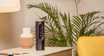 hayo erstellt einen 3d-scan deines zimmers und ermöglicht dir, jeden platz, jedes objekt oder auch eine stelle in der luft in eine reihe von virtuellen fernbedienungen zu verwandeln. du kannst dann bevorzugte home-plattformen und produkte einer stelle im raum zuordnen. hayo bietet unzählige steuerungskombinationen, darunter musik, licht und verschiedene medienplattformen.