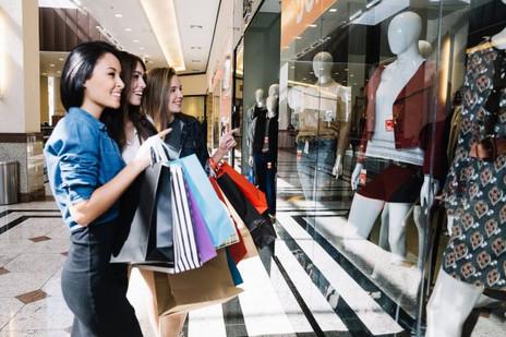 Girls-shopping-at-a-mall.jpeg