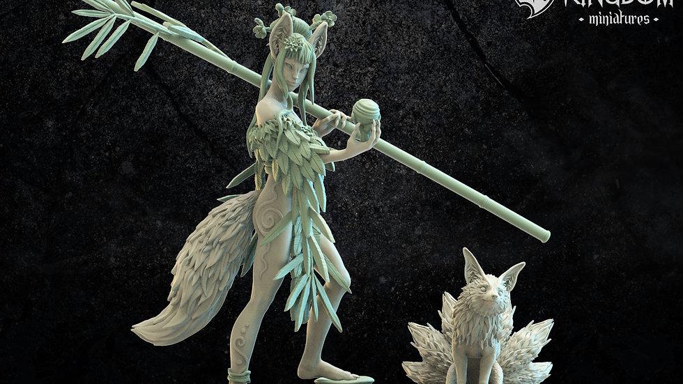 Kitsuni Druid with familiar - Mori Elf or Sylvan Elves Resin Miniature, Los