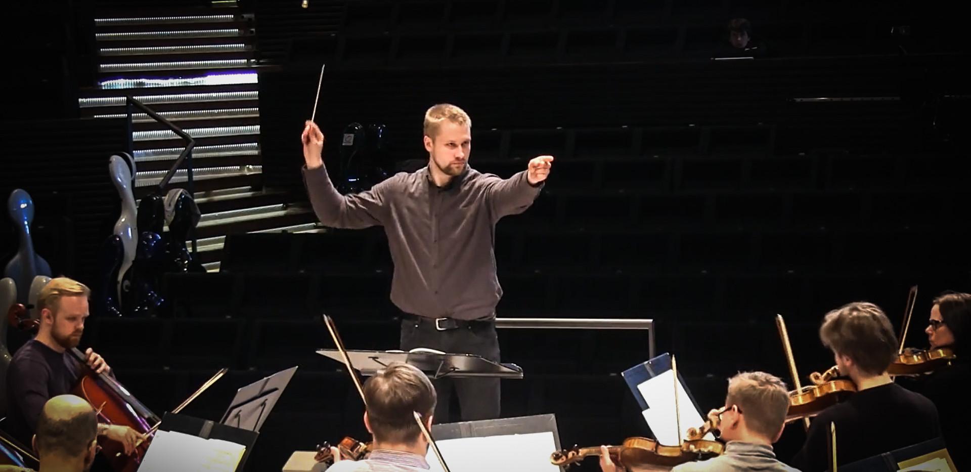 Helsinki_Philharmonic_Orchestra_Sauli_Sa