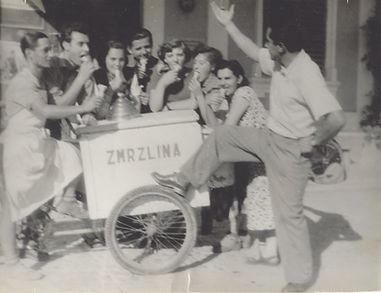 ambulantny predaj levice 1932.jpg