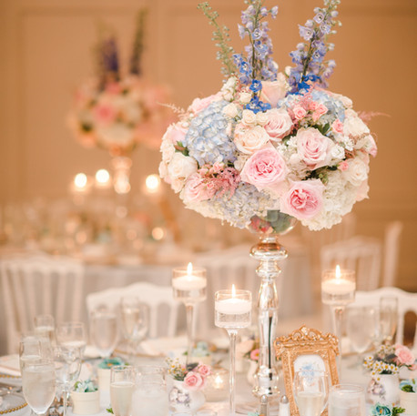 #9 Tall Fresh Floral Centrepieces For Your Wedding Reception Tables In Toronto.