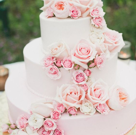#37 Cake Table Flowers And Accessories Toronto