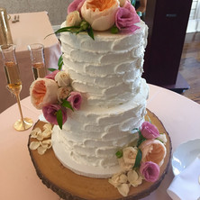 #28 Cake Table Flowers And Accessories Toronto