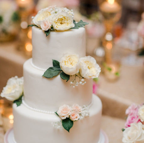 #13 Cake Table Flowers And Accessories Toronto
