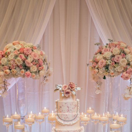 #22 Cake Table Flowers And Accessories Toronto