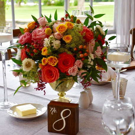 #12 Low Fresh Floral Centrepieces For Your Reception Tables In Toronto