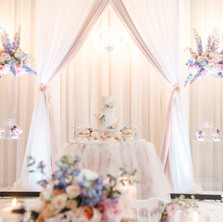 #19 Cake Table Flowers And Accessories Toronto