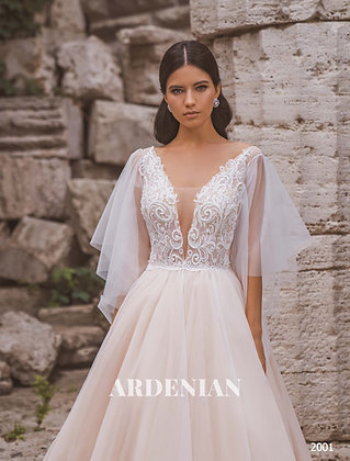 Wedding Dress Model 2001