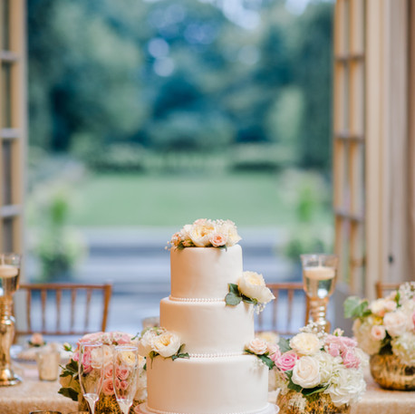 #31 Cake Table Flowers And Accessories Toronto