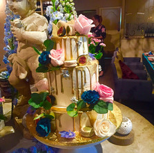 #17 Cake Table Flowers And Accessories Toronto
