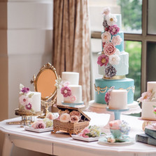 #3 Cake Table Flowers And Accessories Toronto