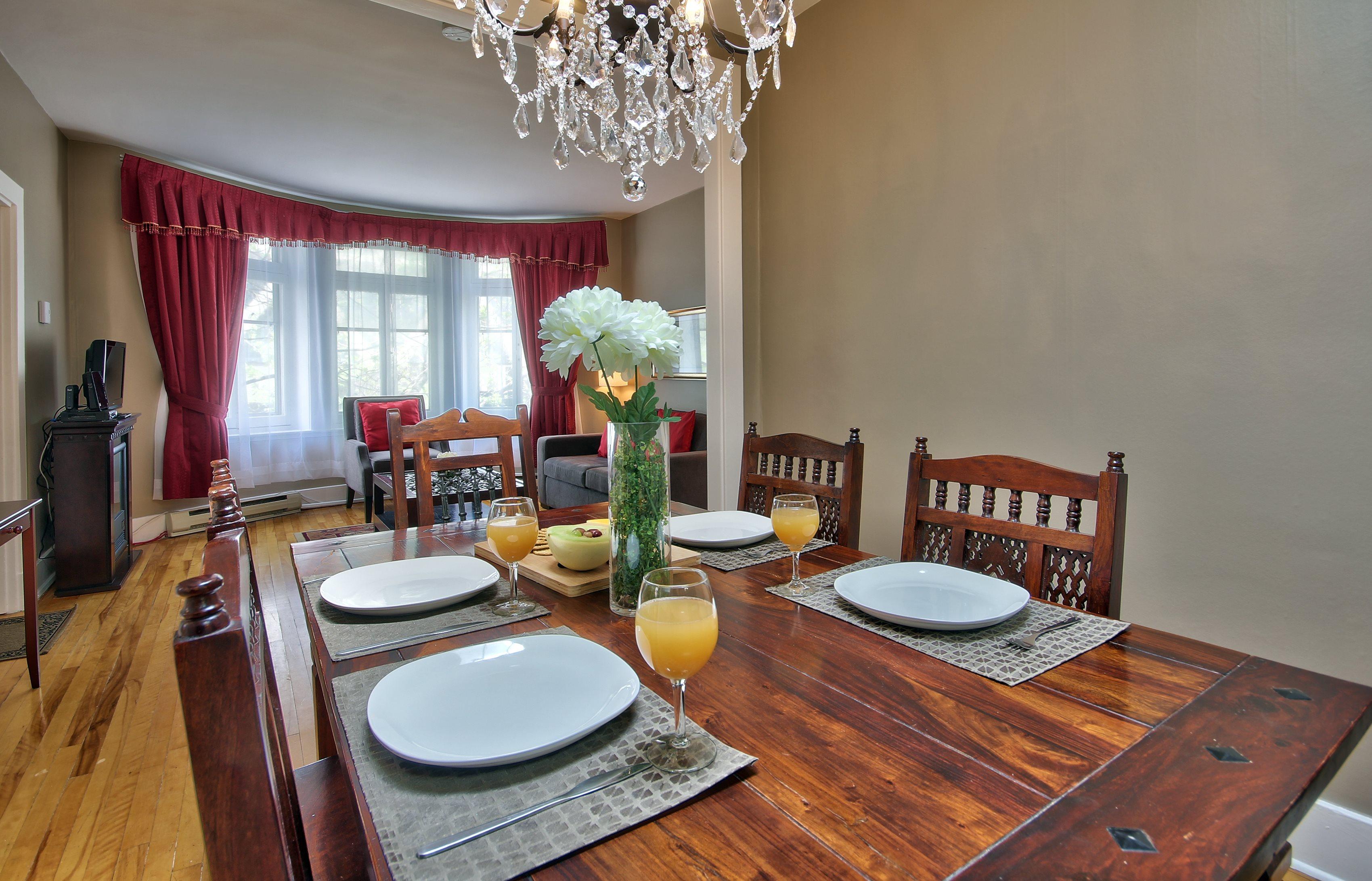 Suite Belle - Dining Room