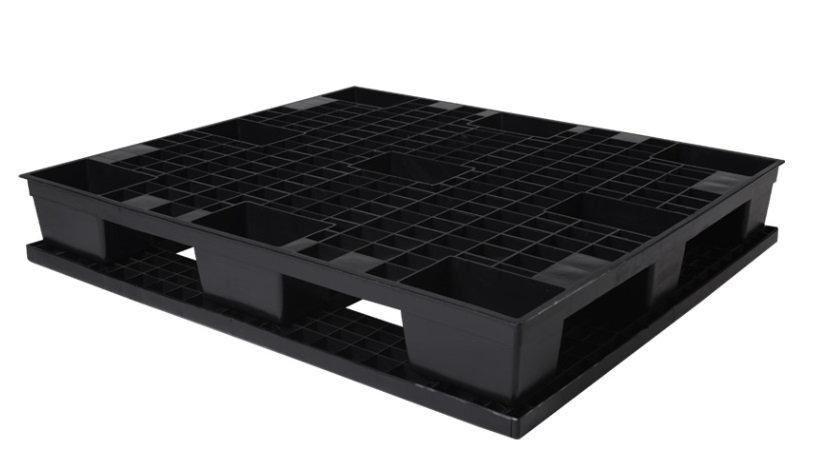 Tarima reciclada negra con base