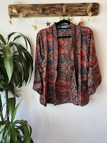 Kimono estampado sedoso