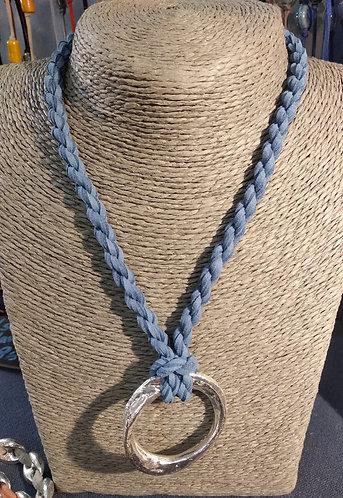 Gargantilla cordón azul