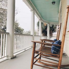 Side piazza porch