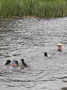 Bruce, Lucy, Will, Nick, Ed and Craig completed a very cold 5km swim in the Thames