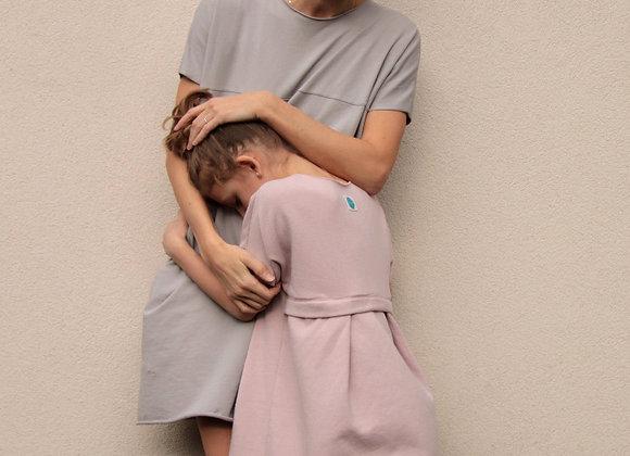 Úpletové bavlněné šaty - ŠEDÉ
